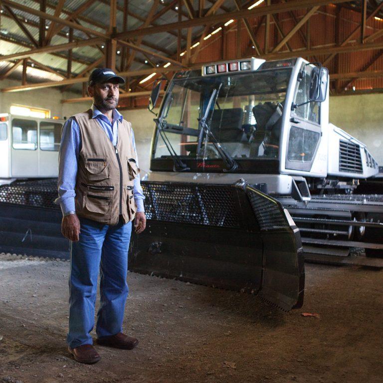 Mohd, conducteur du chasse-neige de l'IISM