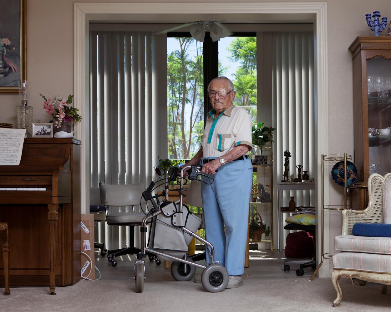 Abraham Meth (101 ans) dans son appartement en résidence médicalisée, Sun City